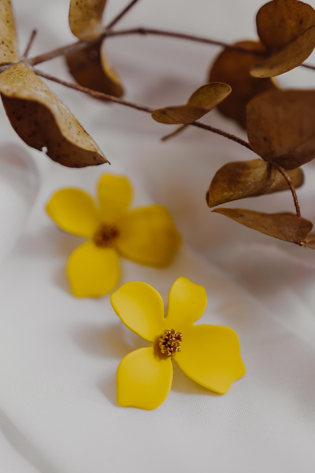 MAYA BLOOMING EARRINGS (YELLOW)