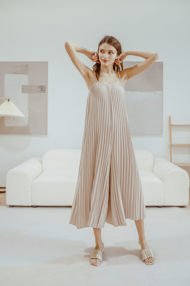 DIYA PLEATED JUMPSUIT (OAT)