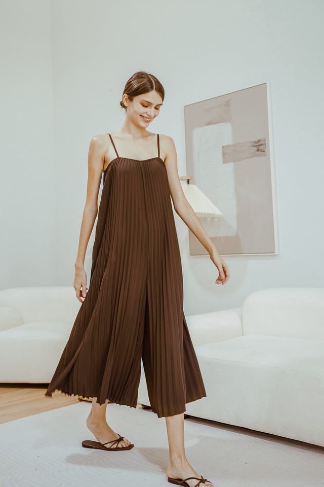 DIYA PLEATED JUMPSUIT (CHOCOLATE)